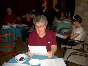 Szolcsánszkyné Margitka saját írását adja elő
